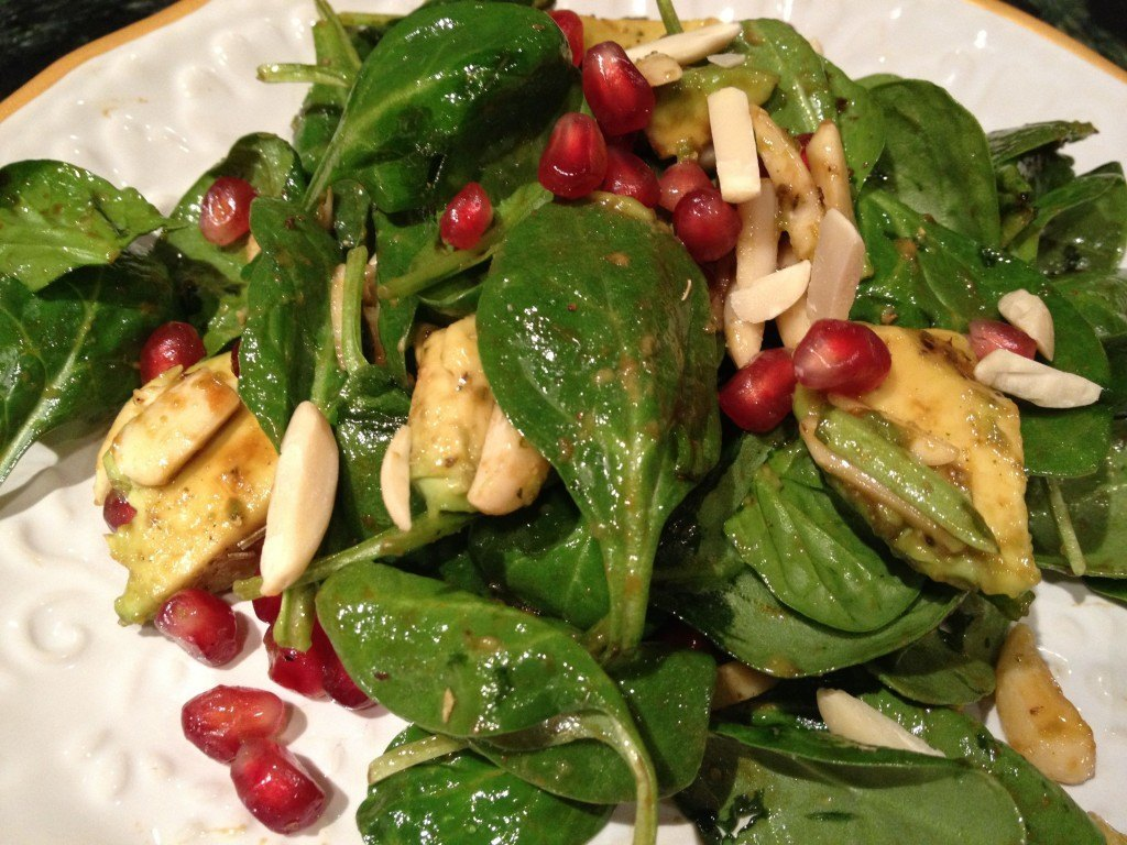 Spinach, Pomegranate & Avocado Salad Recipe